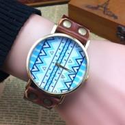 Original Geometrisch Totem Retro Uhr