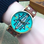 Retro ursprüngliche geometrische Form Uhr