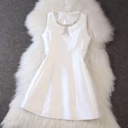Reine Farbe Ärmel bördelte A-Linie Kleid