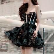 Reizvoller Tief geschnitten Spitze-Luftblasen-Abend-KleidPartei Kleid