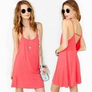 Reizvolle schöne rosa Solide Halter-Bügel-Kleid aushöhlen