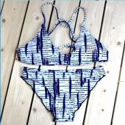 Einzigartige Elektrokardiogramm Druck Split Badeanzug Bikini Set