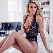 Sexy tiefschwarze Wimpernspitze für Frauen in Kombination mit intimer Wäsche