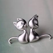 Schön Katze Anti-Allergie- Studs Silber Asymmetrie Ohrring