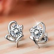 Stilvolle Glänzende Diamant-Schmetterlings-Silber-Ohrring-Bolzen-Insekt