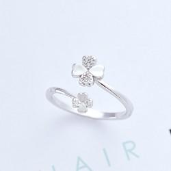 Frischer vierblättriger Klee-Blumen-Ring verlässt Silber-Öffnungsring