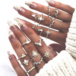 Jahrgang Stil Diamant Krone Wassertropfen 16-teiliges Set Damenringe