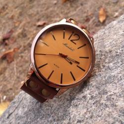 Retro Handgemachtes Kuhfell Leder Großzügige Mann-Uhr