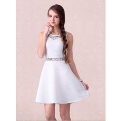 Einzigartige Ärmelloses Broschierung Gestreift Weißes Kleid