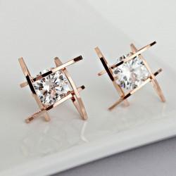 Mode einzigartige Tic Tac Toe Dreieck Zirkon Ohrringe Ohrstecker