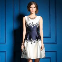 Neue Blumendrucken-Rundhalsausschnitt ärmelloses Kleid