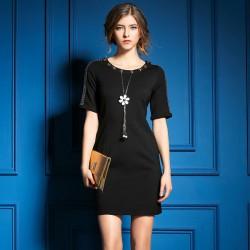 Beiläufige stilvolle Perlen-Anhänger-Schulter-dünnes Kleid