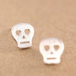 Reizende hohle Herz-Augen-Schädel-Mode-Matte Silver Ohrring