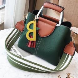 Freizeit-Mädchen PU Quasten Brief Star Handtasche Anhänger Kontrastfarbe Schultertasche