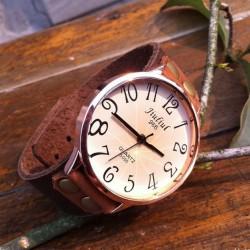 Retro Concise Niet Leder Armbanduhr