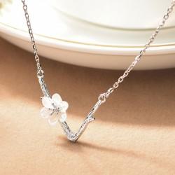 Süßes V-Form-Imitieren von Zweiglinien Schale Kirsche Blume Anhänger Clavicle Kette Halskette