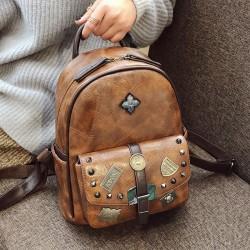 Retro britischer Stil Studententasche Abzeichen Niet Einzelschnalle Schul-PU-Rucksack
