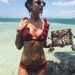 Sexy V-Form Badeanzug Neue Rüschen ausgesetzt Brust Bikinis