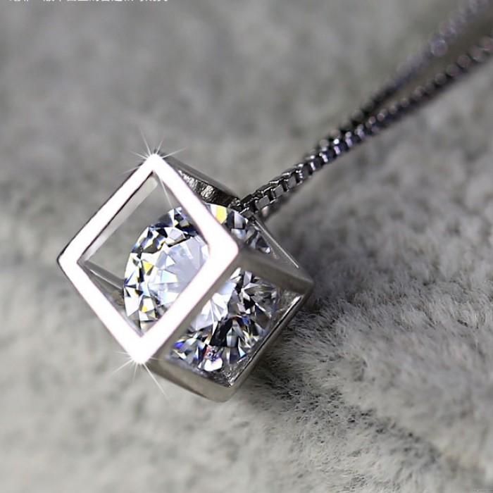 Sterling Silber Platz Kristall Halskett