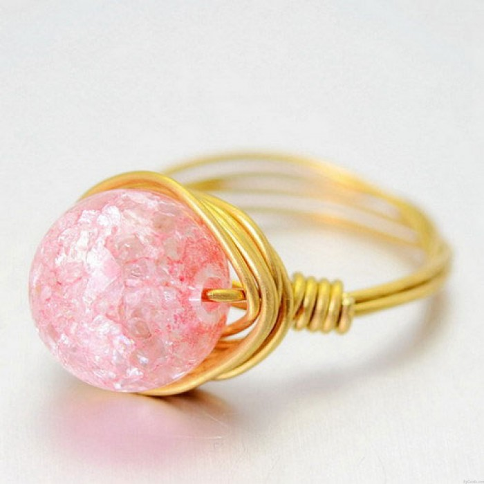 Natürliche Jelly Rosa Kristallball Handaufzug Messingringe