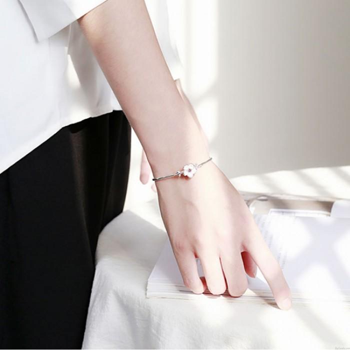 Nettes Valentinstaggeschenk-Frauen-Blumen-geöffnetes Armband verlässt Kirschsilber-Armband