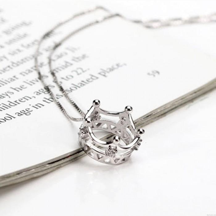 Elegante hohle Krone Intarsien Diamant-Anhänger 925 Silber Halskette