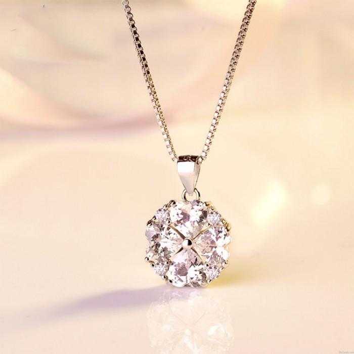 Elegante Valentinstag Geschenk Frauen Schlüsselbein Silber Halskette Liebe Herzform Kristall Anhänger Halskette