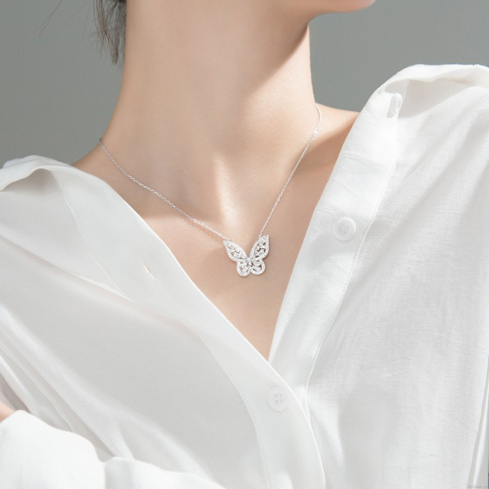 Eleganter Schmetterling Zirkon Kristall Anhänger Flash Wings Schlüsselbein Kette Tier Schmuck Halskette