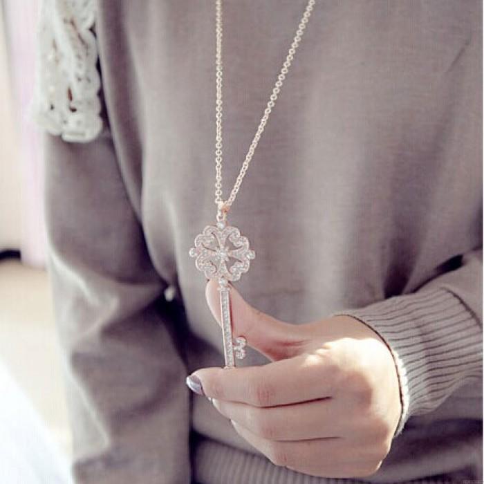 Hohl Four Leaf Clover Schlüssel Lange Pullover Halskette