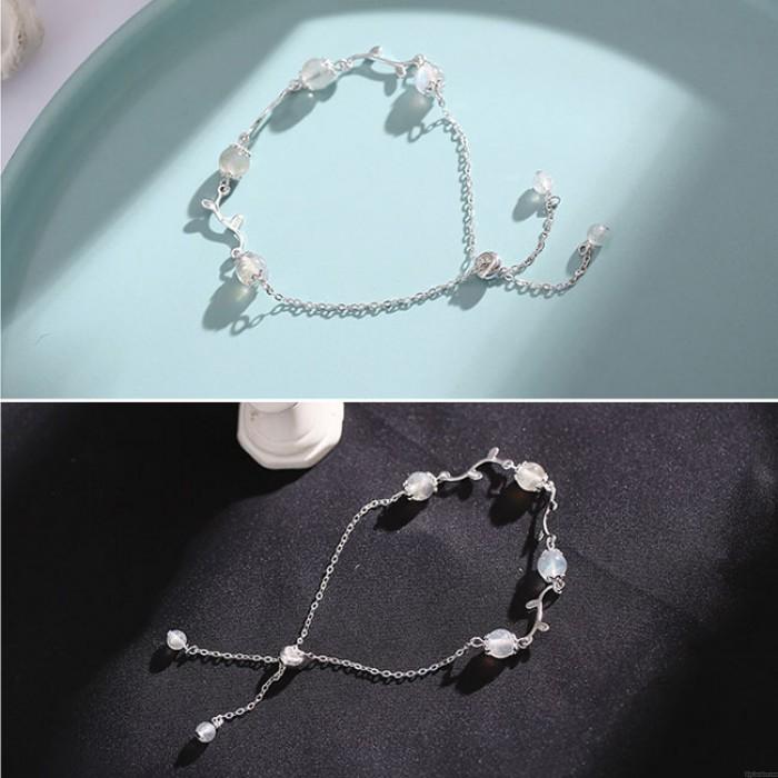 Einzigartiger Mondsteinzweig lässt silbernes romantisches Frauen-Armband