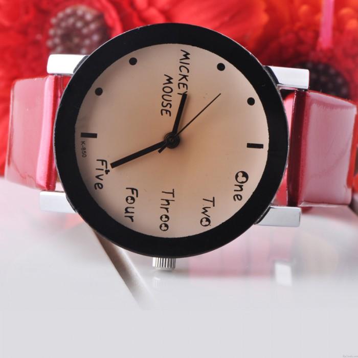 Mode Niedlich Einfach Schwarz Rand Uhr