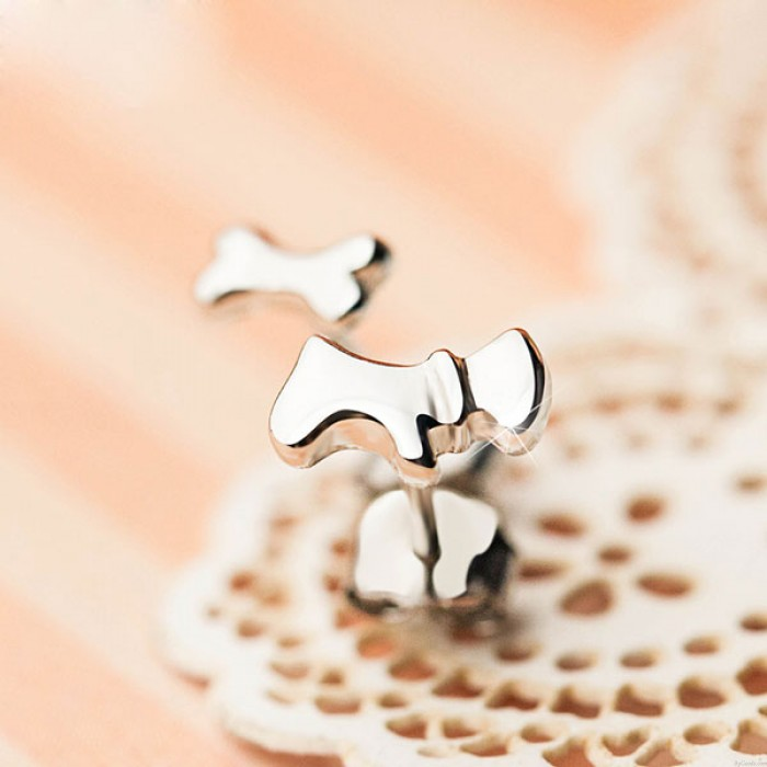Welpenhundeknochen Schöne Polieren Silber Asymmetrische Tiere Ohrstecker