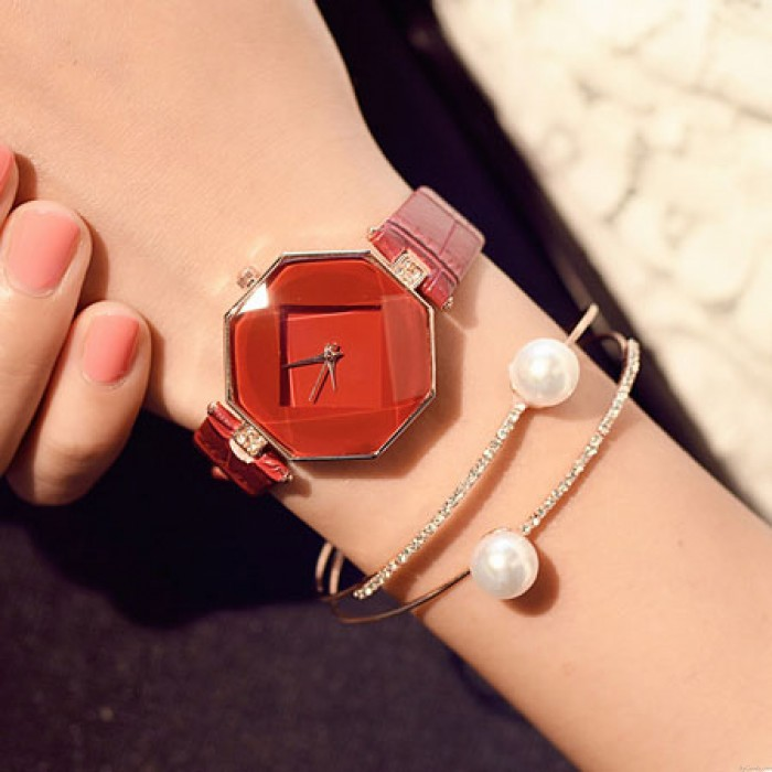 Einzigartige geometrische Formen eingeschnittene Kristalle eingebettet Armband Armband Quarz Damenuhr