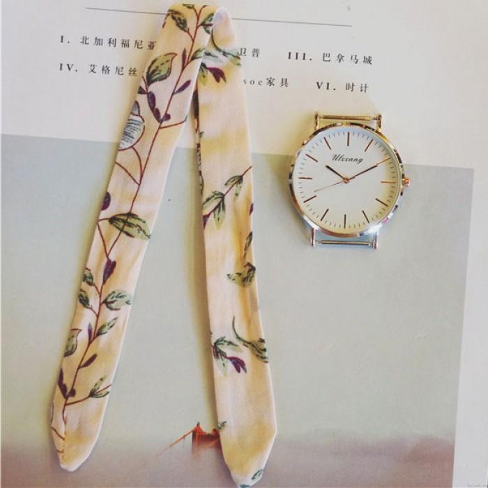 Chic Color Streifen Fresh Floral Tuch Strap einfache Stil Dial Armband Mädchen Schüler Quarz Uhr