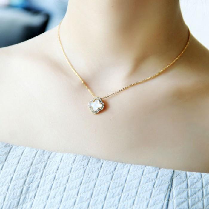 Clover Einlegearbeit-Diamant Shell Schwarz Vergoldet Anhänger Lady Claviclehalskette