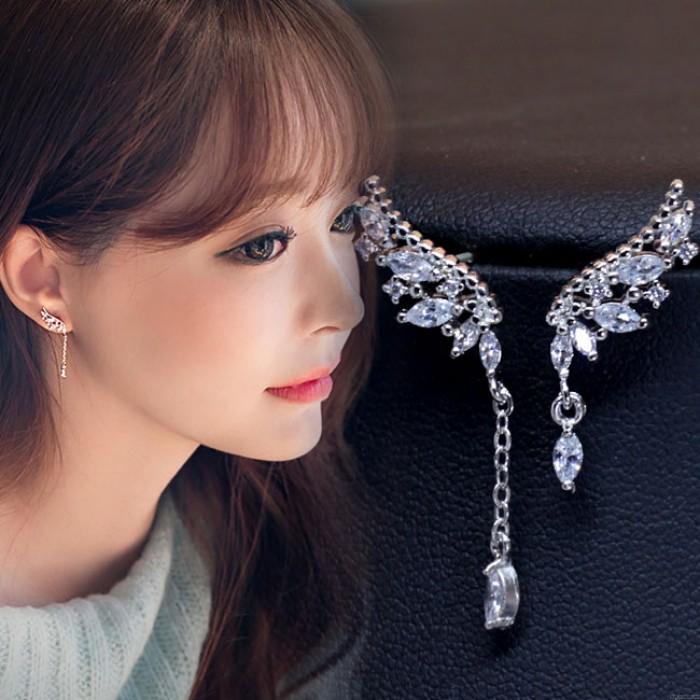 Glänzende Engelsflügel Diamant Asymmetrische Quaste Crystal Lady Ohrringe Ohrstecker