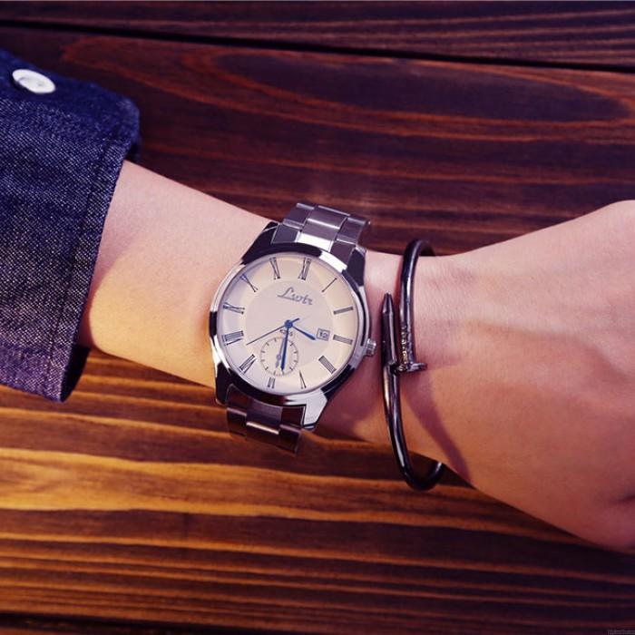 Arbeiten Sie einfaches großes Vorwahlknopf-Studenten-Freizeit-Paar-ultradünne wasserdichte Mann-Quarz-Uhr um