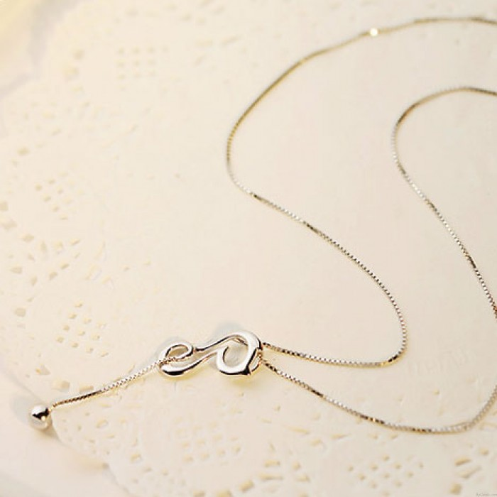 Elegante hohle Katzen-Kätzchen-Ball Long Tail Tiere Silber Anhänger Halskette