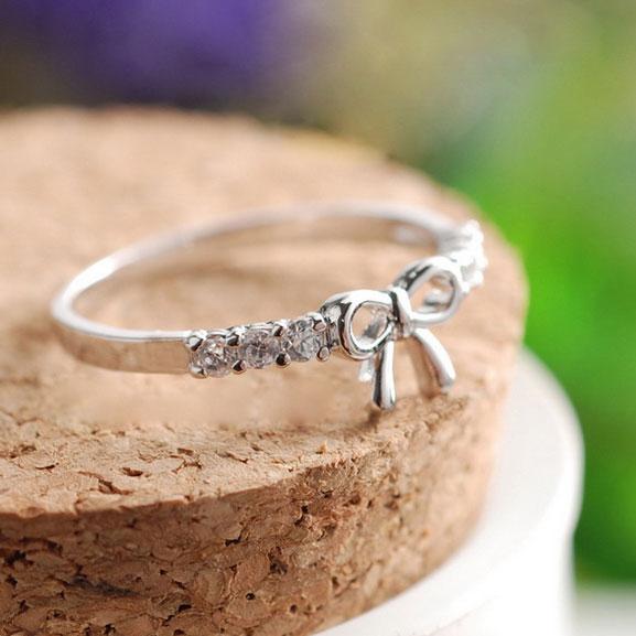 Lovely Cute Rhinestone Bow Ring silver