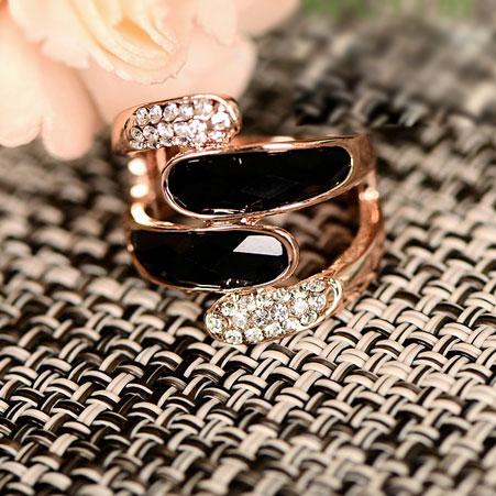 Fashion Time Rose Gold Rhinestone Ring